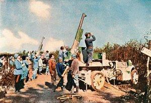 French anti-aircraft gunners at Verdun, 1916